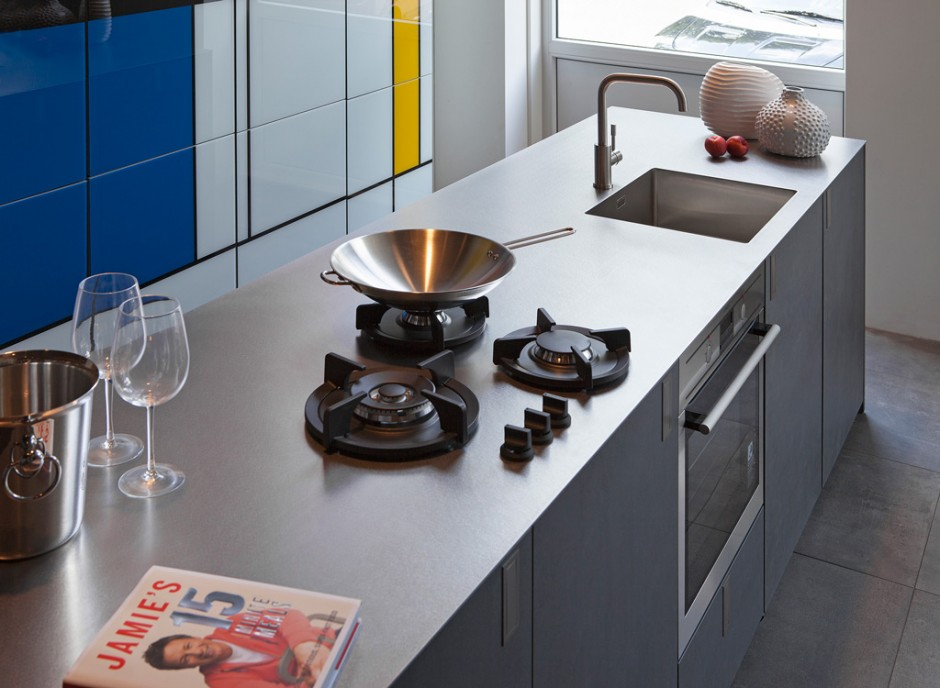 Smart Cooking van Franke - gasbranders in 4mm massief rvs werkblad van Franke