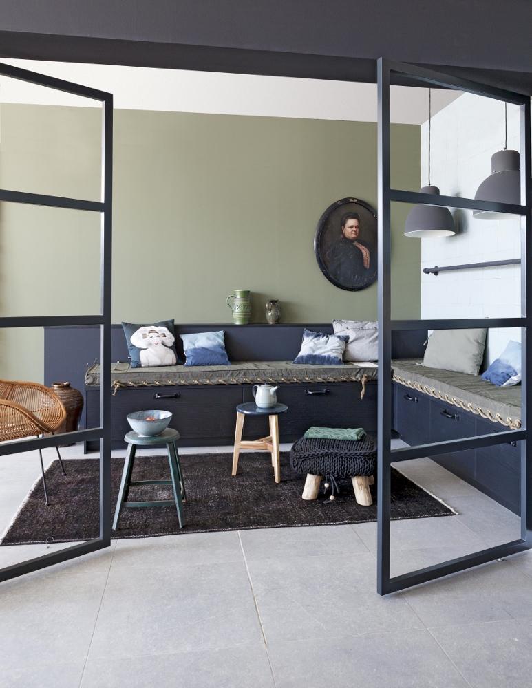 Badkamer Ideeen Vt Wonen ~ De grote keukentegels zijn doorgetrokken in het zitgedeelte Zo wordt