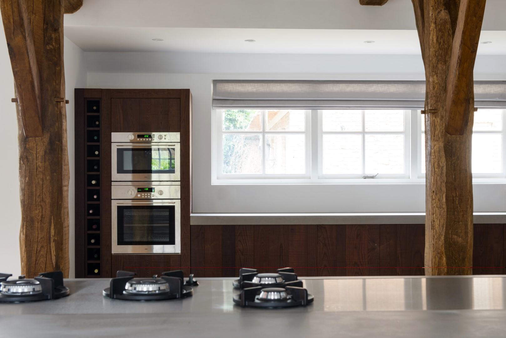 Houten keuken beton pitt cooking van JP Walker