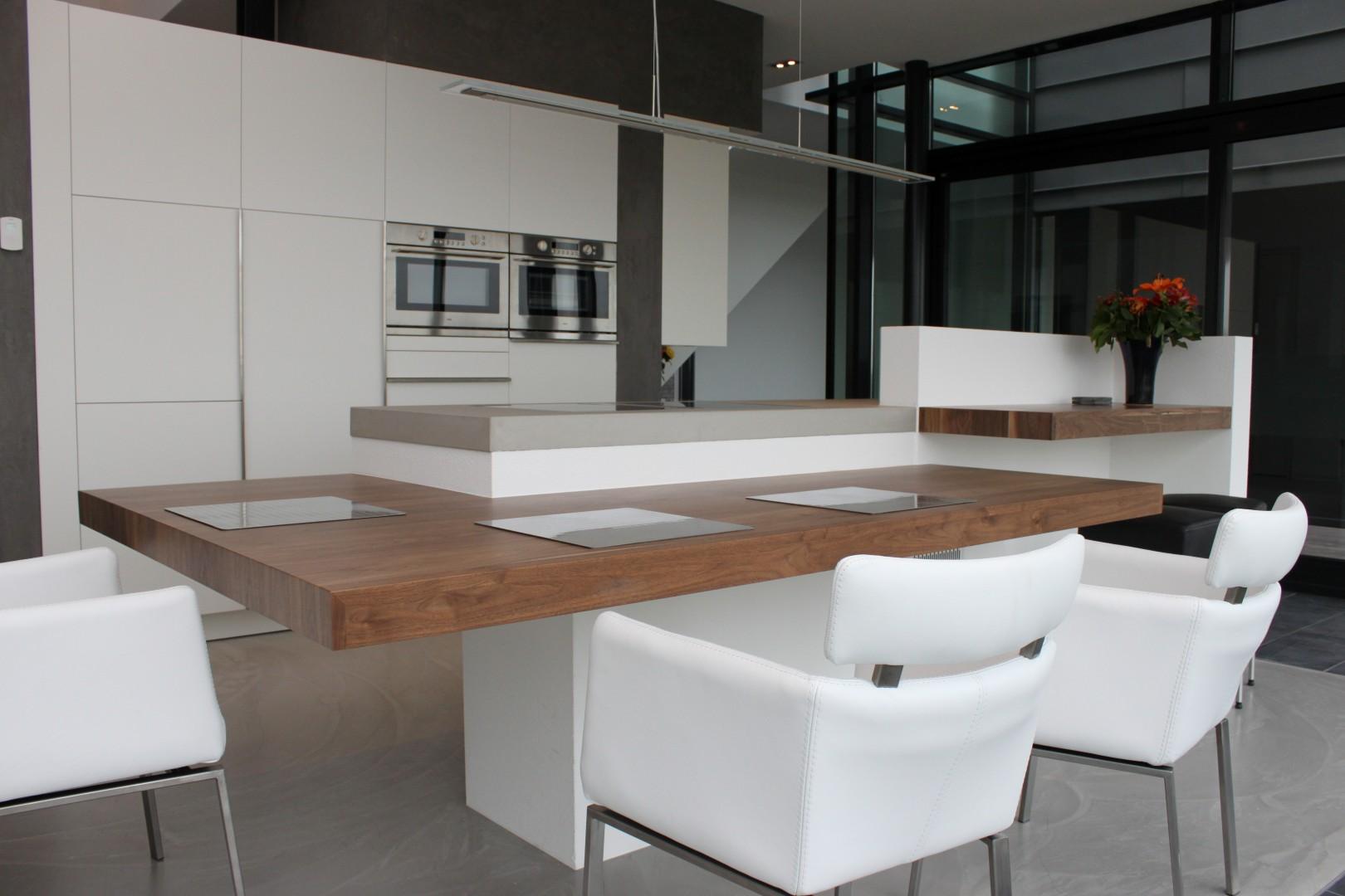 Maatwerk keuken hout | Beton | Corian by JP Walker