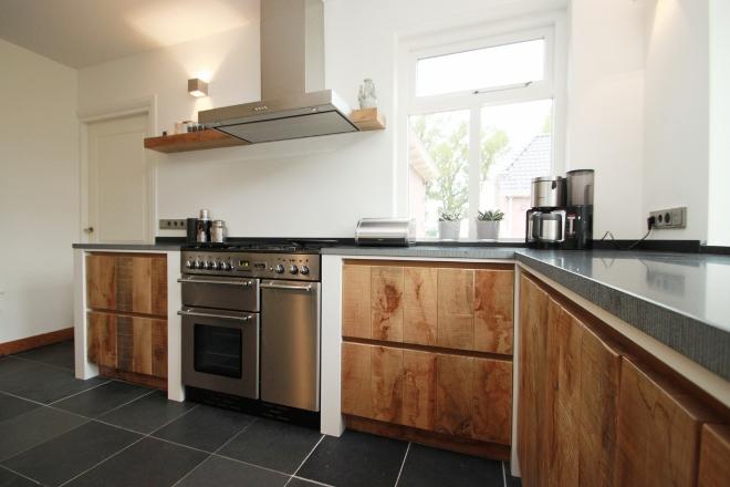 Houten Keuken Industrieel : Maatwerk houten keukens van JP Walker Nieuws Startpagina