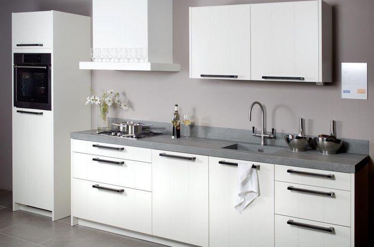 Keuken met aanrechtblad van keramisch beton: de look en feel van beton en de eigenschappen van Ceramistone. Concretto van Kemie