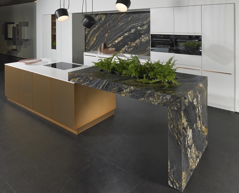 Marmer look in de keuken met de werkbladen van kemie for Keuken marmer blad