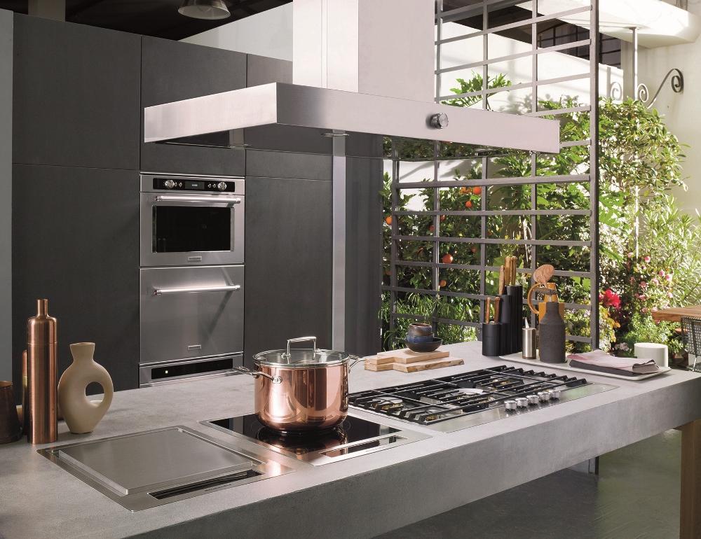 Afzuigkappen ventilatiesystemen nieuws startpagina voor keuken idee n uw - In het midden eiland keuken ...