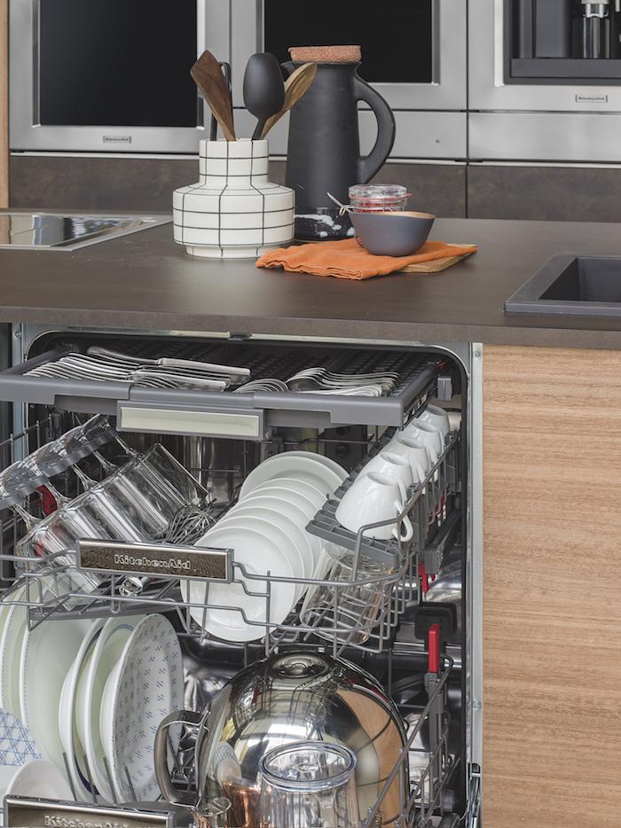 Vaatwasser van KitchenAid met innovatieve indeling #kitchenaid #vaatwasser #keuken #inbouwapparatuur