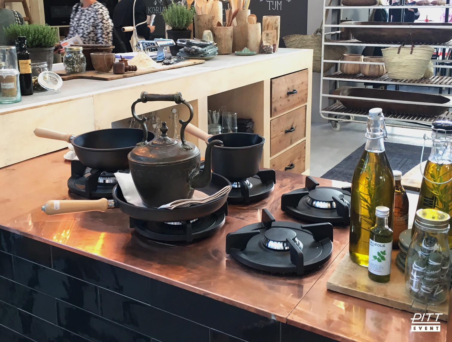 Boerenkeuken met Pitt Cooking gaspitten - vtwonen landelijke stijl