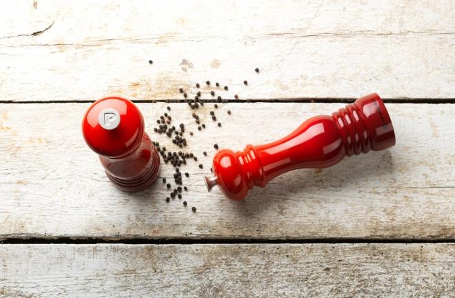 Rode peper en zoutmolen van Le Creuset
