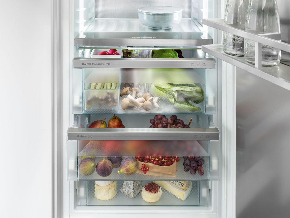 Liebherr koelen. Koel-vriescombinatie met Hydrobreeze uit de Peak-serie #liebherr #koelen #keuken #koelkast #hydrobreeze