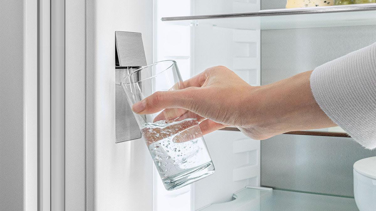 Liebherr inbouwkoelkast met ijskoud gefilterd water #koelkast #keuken #inbouwkoelkast #gefilterdwater #liebherr