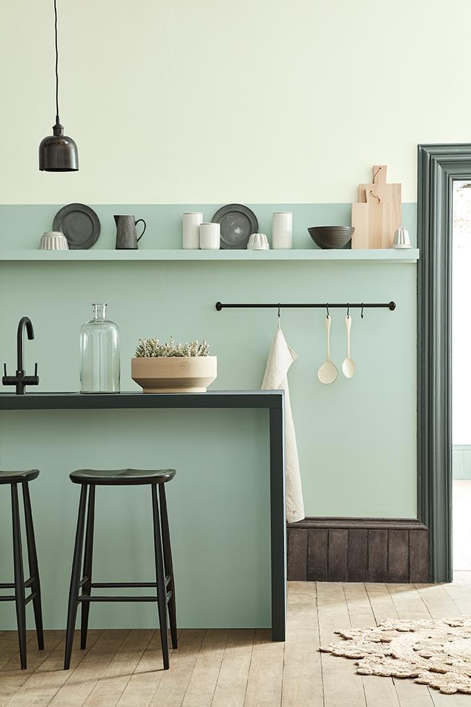 Moderne keuken keukenplank aqua muurverf van little green #keuken #keukeninspiratie #keuken #aqua #muurverf #littlegreen