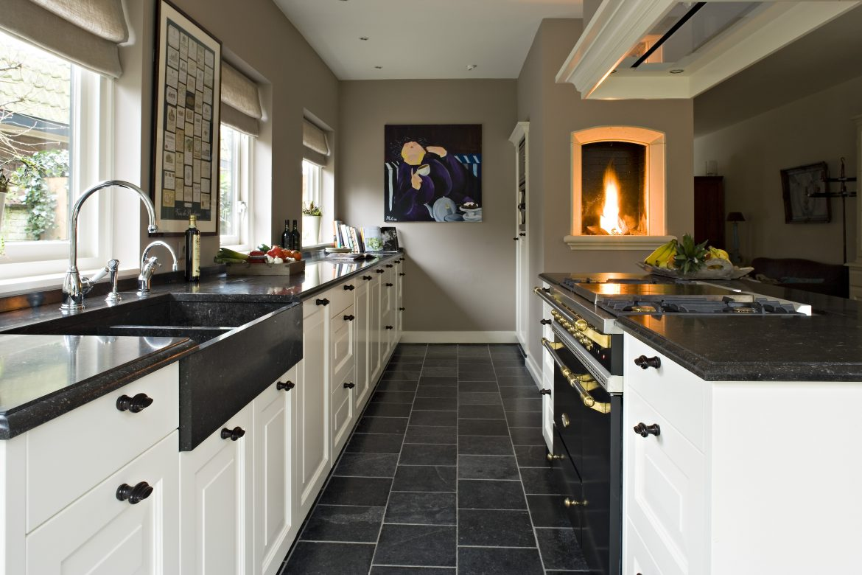 Klassieke keuken op maat gemaakt door The Licing Kitchen by Paul van de Kooi #keuken #houtenkeuken #klassiek #landelijk #thelivingkitchen #paulvandekooi