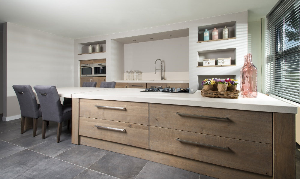 Long Island Kitchens houten keuken kookeiland Product in