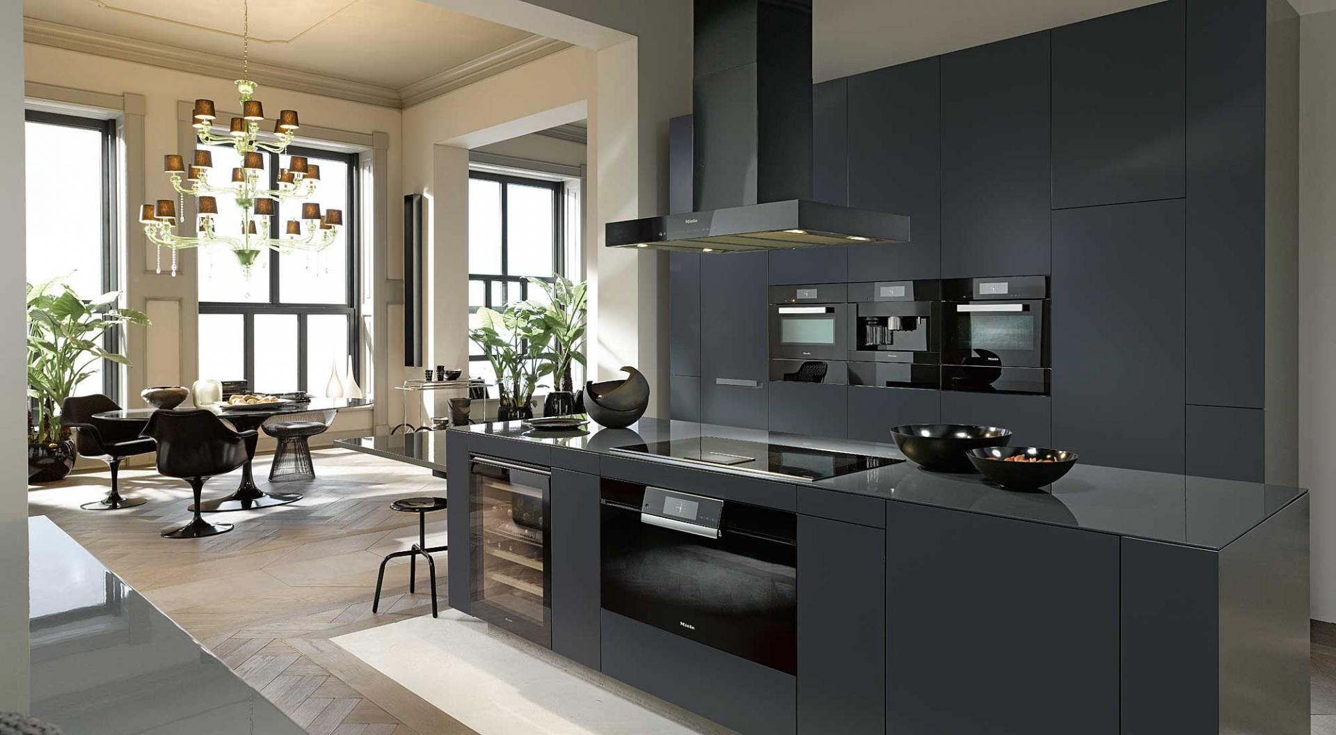 Strakke Zwarte Keuken : Zwarte keukens: voorbeelden van keukenstijlen nieuws startpagina