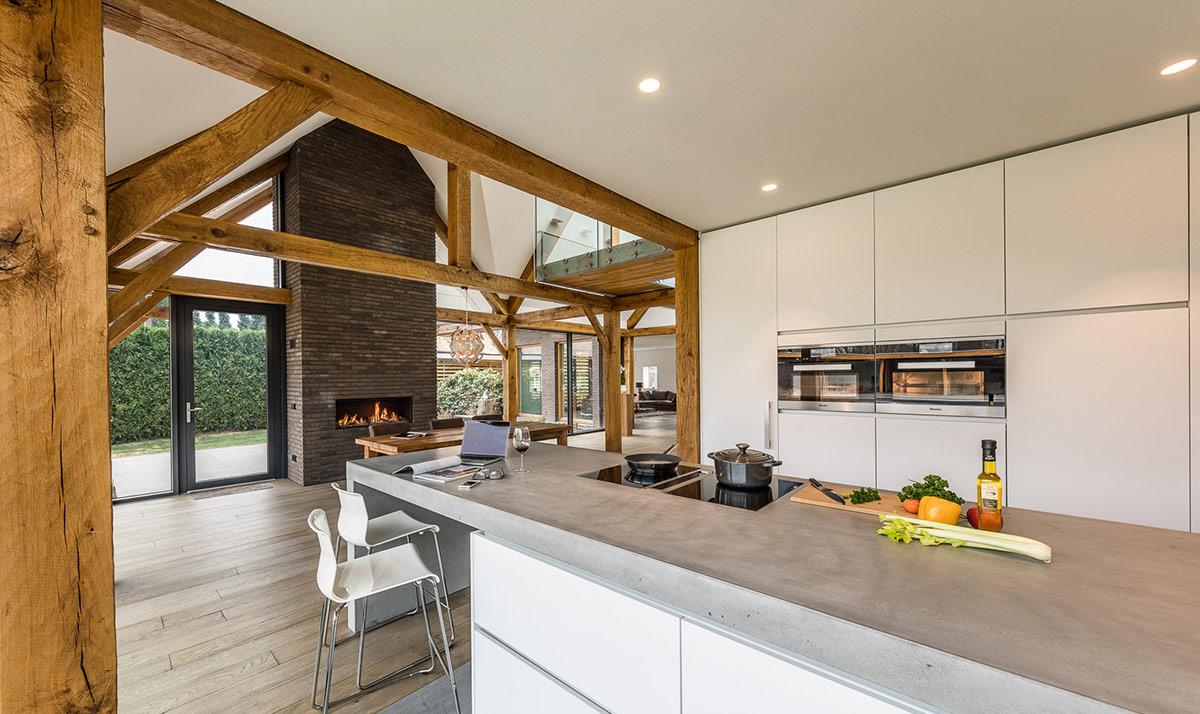 10 keukentrends voor een stijlvolle keuken volgens de keukenexperts van Miele. Koken en wonen in 1 leefruimte is de trend. Woonkeuken met Miele apparatuur via Hans Kwinten interieurprojecten Bergeijk. #keuken #woonkeuken #miele #keukentrends
