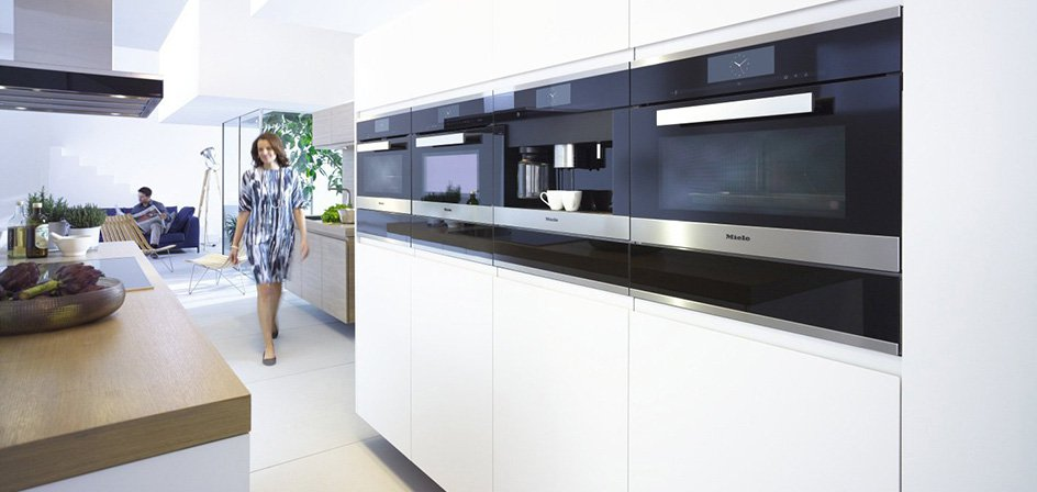 Voorraadkasten Keuken : Kitchen with Miele Appliances