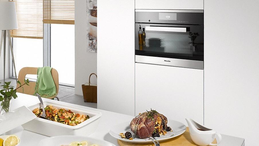 Miele stoomoven met oven. Gezond stomen, maar ook alle volwaardige ovenfuncties in één apparaat #miele #oven #stoomoven #inbouwapparaat #keuken