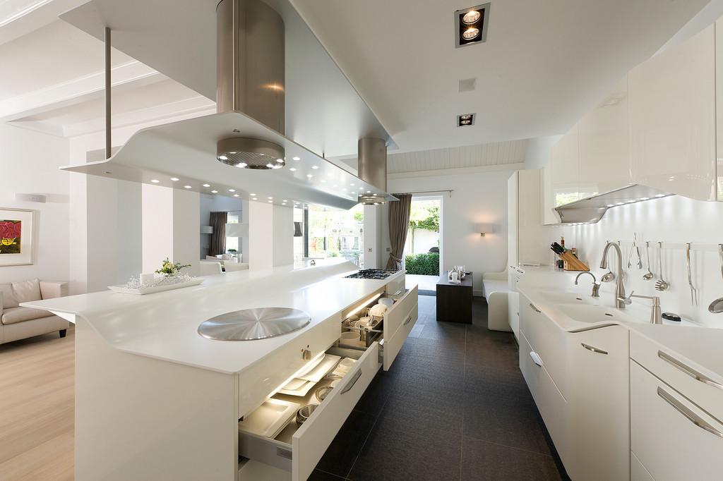 Moderne Keuken FotoS : Moderne Keuken Ideeen : moderne keuken van essenhout en beton Nieuws