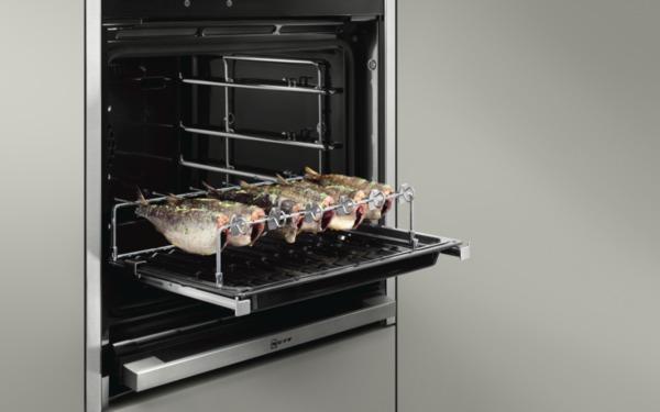 Heerlijk vis grillen in de Neff oven met de Neff BBQ-set