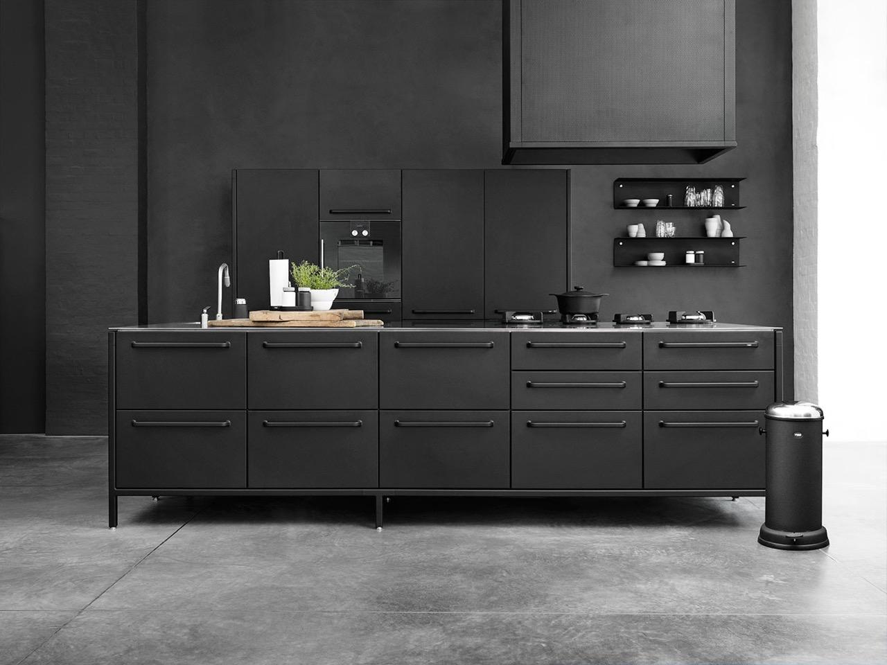 Pitt cooking beleef de kooksensatie nieuws startpagina voor keuken idee n uw - Zwarte houten keuken ...