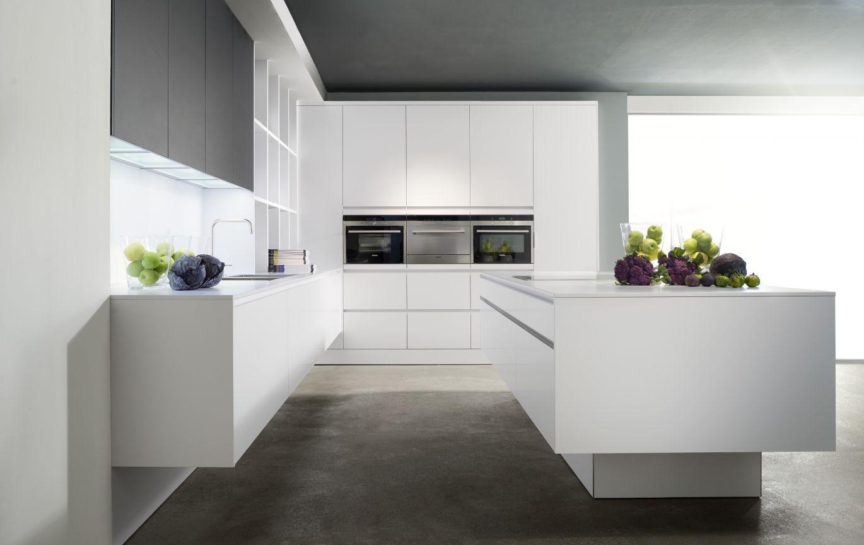 Witte greeploze keuken eggersman via Plieger keukens