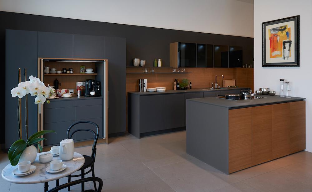 Donkergrijze keuken - Poggenpohl STAGE