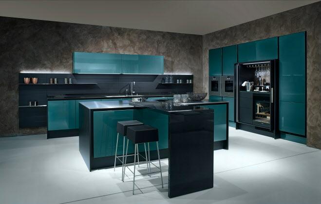Poggenpohl designkeuken in petrolgroen metallic gecombineerd met zwarte matlak, gepolijst natuursteen en roestvrij staal. Met functionee themakast +STAGE