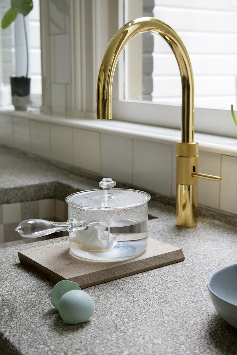 Gouden keukenkraan, kokenwaterkraan, mengkraan van Quooker #goud #keuken #kokendwaterkraan #goudenkraan #quooker