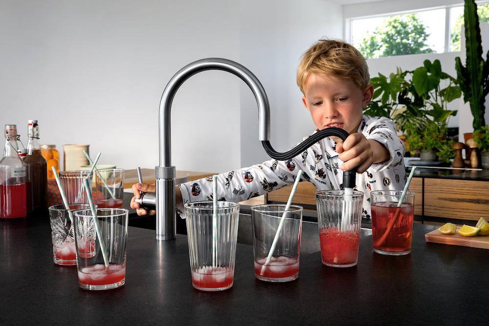 Keukentrend 2017: Kokendwaterkraan met flexibele uittrekslang voor optimaal gebruikersgemak. Quooker Flex #keuken #kraan #quooker