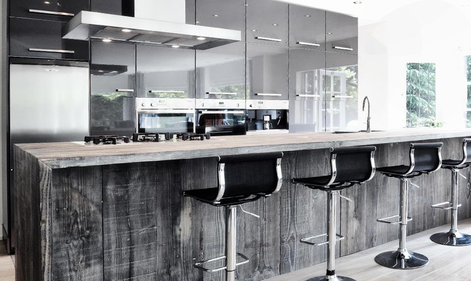 Houten barnwood kookeiland restylexl nieuws startpagina voor keuken idee n uw - Keuken back bar ...