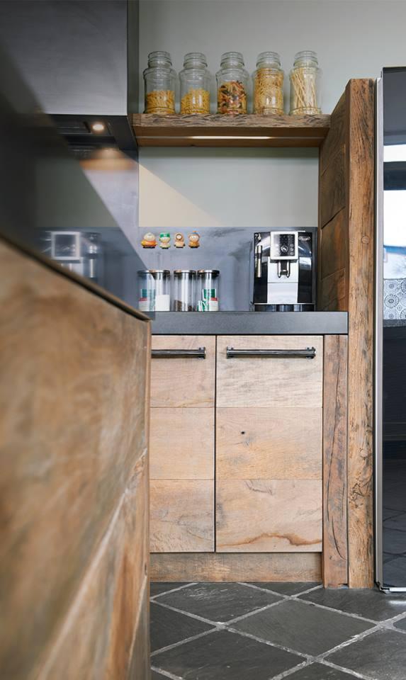Keuken Eiken Werkblad : Sloophouten keuken van oud Eiken vloerdelen via RestyleXL