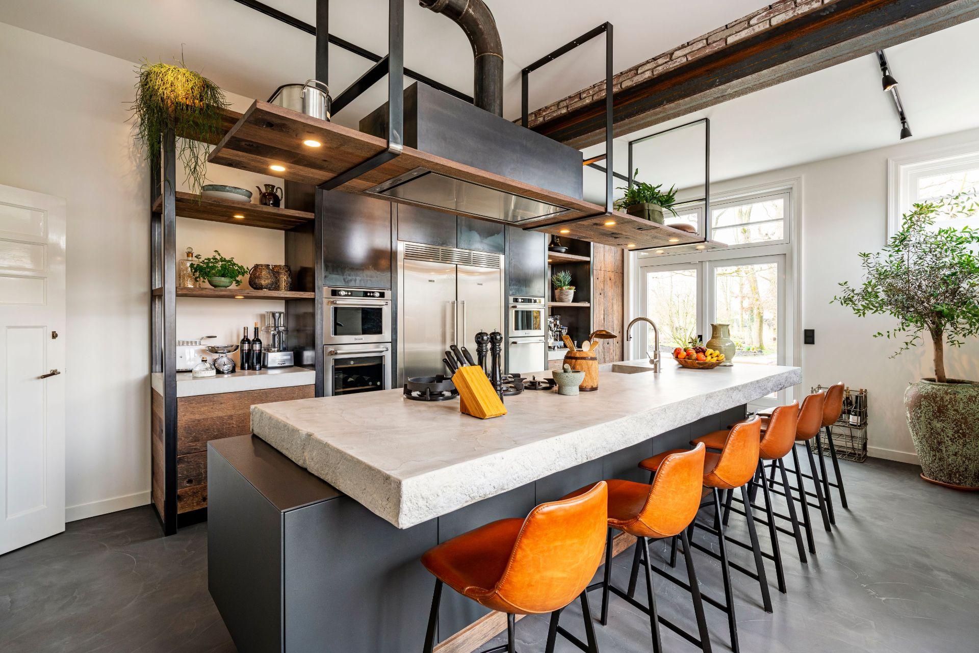 Kookeiland in de keuken #kookeiland #voorbeelden #keuken #keukeninspiratie