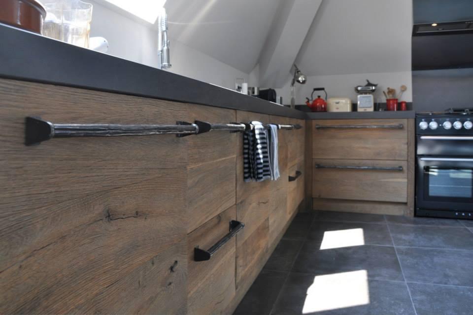 Eikenhout In Keuken : Nieuwe keuken van historisch hout van RestyleXL Nieuws