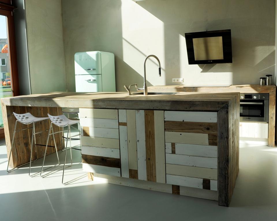 Sfeervolle keukens van sloophout nieuws startpagina voor keuken idee n uw - Trend schilderen keuken ...