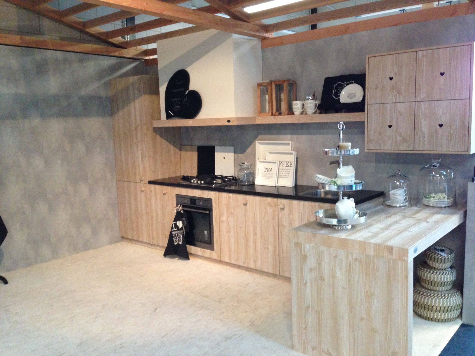 Riverdale keuken hout