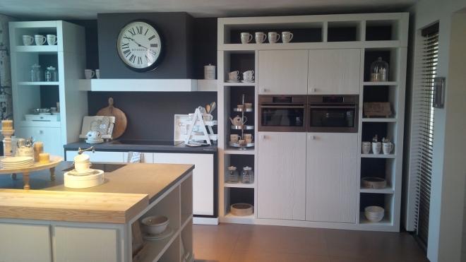 Riverdale keuken met inbouwapparatuur