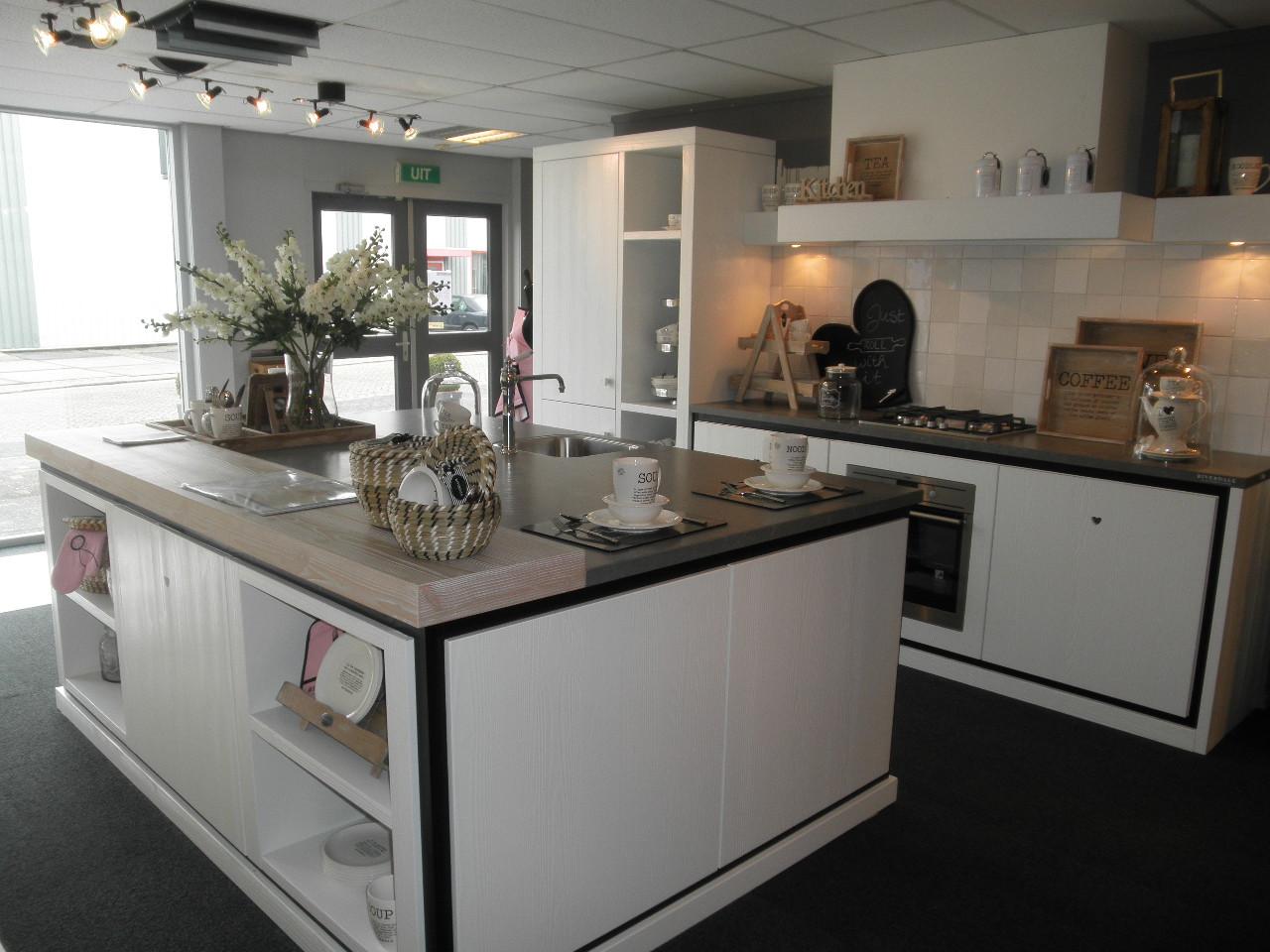 Keuken Zwart Stoere : Riverdale keukens: stylish sfeervol & stoer nieuws startpagina