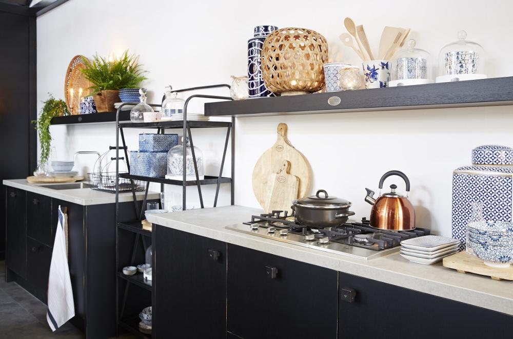 Keuken zwart met hout - Zwarte houten keuken ...