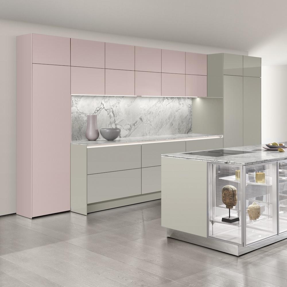 SieMatic SLX keuken. Greeploze keuken met kookeiland in je favoriete kleur #keuken #siematic #kookeiland #marmer #roze #design #designkeuken #interieur #keukeninspiratie
