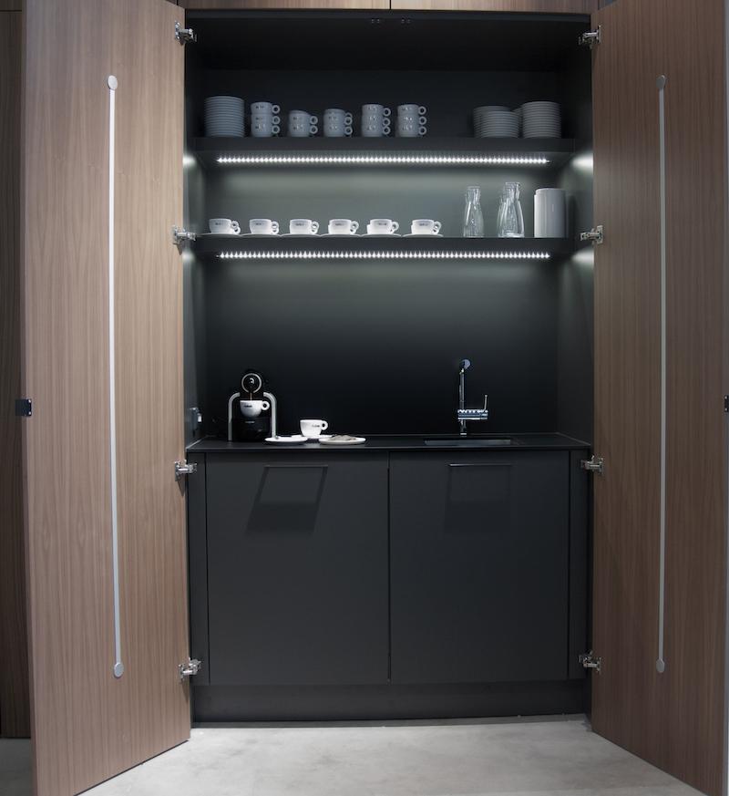 SieMatic heeft speciale kasten die kunnen worden ingericht als Barista werkplek. Zo heb je voldoende ruimte om de perfecte koffie te bereiden in je eigen keuken.