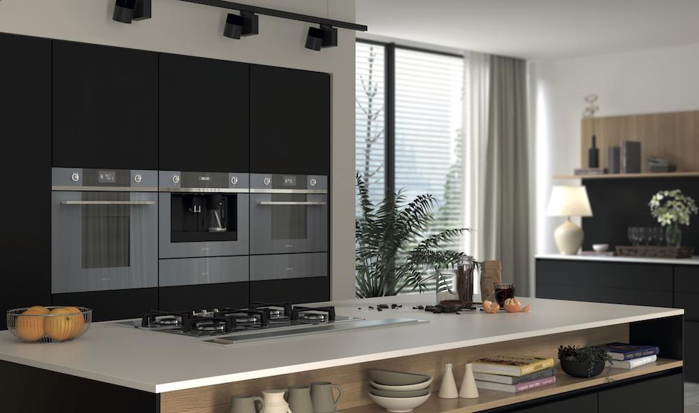 De nieuwe Smeg Linea lijn met compacte ovens, magnetrons, kookplaten, koffiemachines en afzuigkappen en is tevens uitgebreid met wijnkoelers, blast chiller, vacumeerlade en ovens met steam assist #smeg #linea #smegline #oven #magnetron #kookplaat #koffiemachine #keuken #keukenapparaten #keukeninspiratie