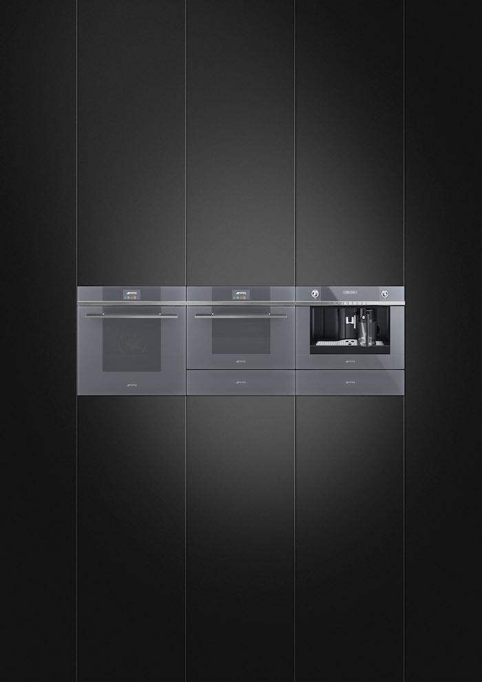 Complete collectie inbouwapparatuur voor de moderne keuken. De nieuwste Smeg collectie Linea #oven #stoomoven #koffieautomaat #wijnklimaatkast #linea #Smeg #smeglove