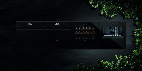 Nieuwe inbouwapparatuur van Smeg voor de keuken. Ovens, koffiemachine en warmhoudlades uit de Dolce Stil novo lijn