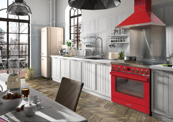 Smeg fornuis en afzuigkap Portofino - via New Home Trends