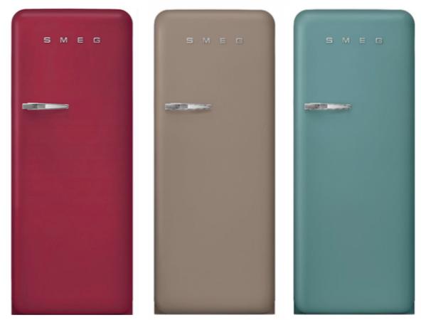 Smeg FAB28 koelkasten in de nieuwe kleuren Ruby Red, Taupe en Emerald Green #smeg #smeglove #koelkast