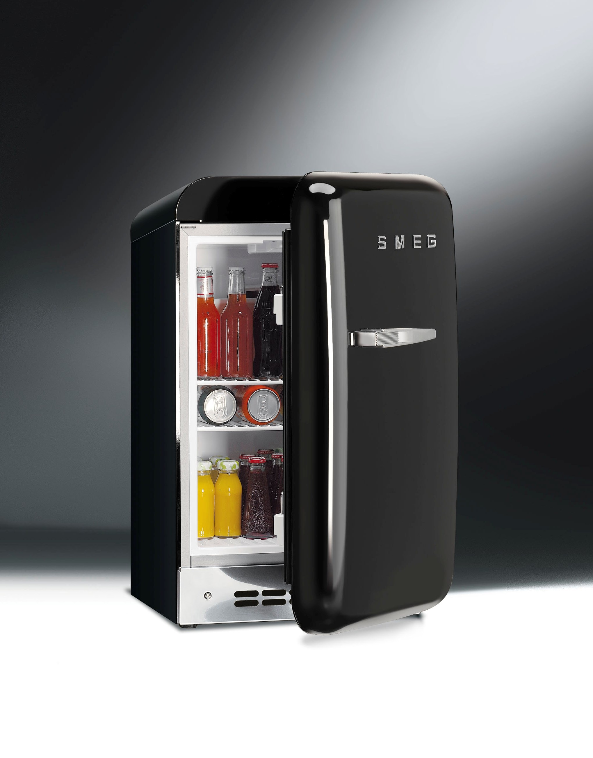FAB5 mini koelkast van Smeg #koelkast #keuken