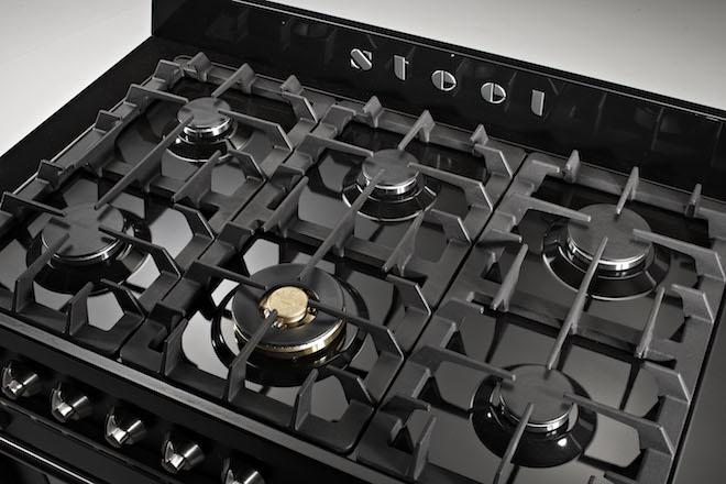 Nieuw fornuis Oxford van Steel met zes aluminium gasbranders met een wok brander van massief messing #fornuis #steel #keuken