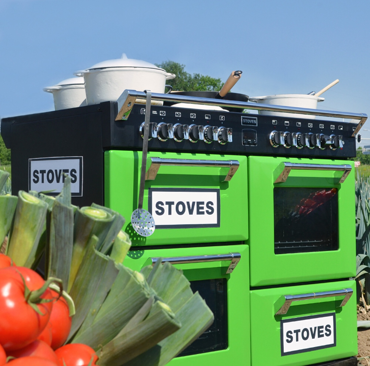 Stoves fornuis Richmond in kleur groen - Uit Nederland proeft op RTL4 #fornuis #keukeninspiratie #gezienoptv #nederlandproeft #rtl4 #stovesfornujizen #kleurindekeuken