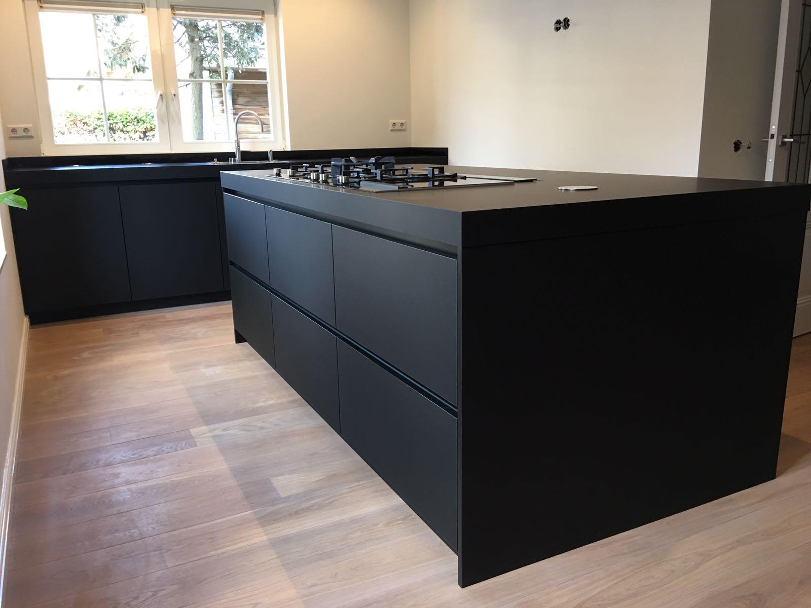 Zwarte Keukens Voorbeelden Van Keukenstijlen Uw Keuken Nl