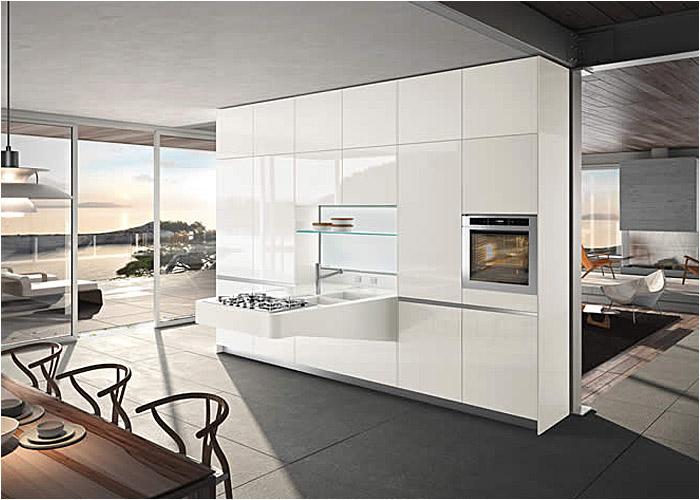 Witte hoogglans designkeuken - Snaidero Board via Tieleman Keukens