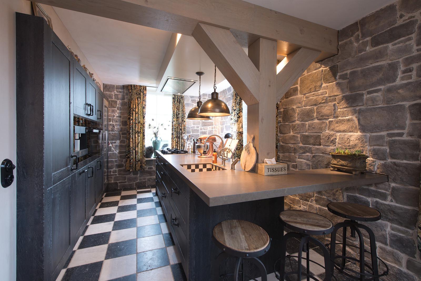 Zwarte keuken landelijke stijl - Tieleman Exclusief